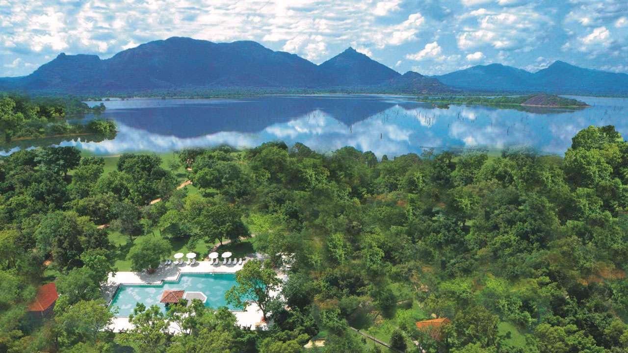 湖畔のデラックスホテル アマヤレイク